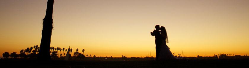 Jessica + Daniel Wallis: Sunset Panorama